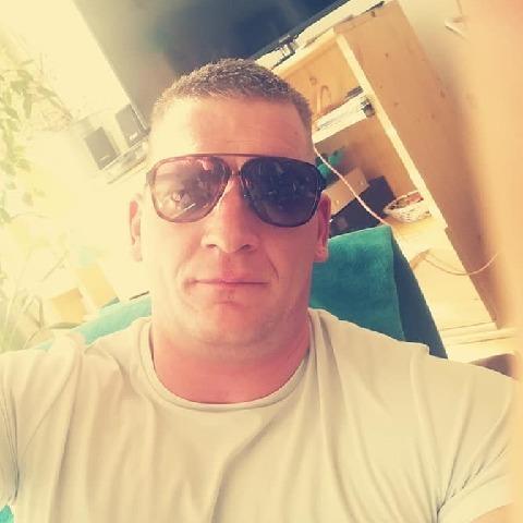 Bálint, 30 éves társkereső férfi - Bük