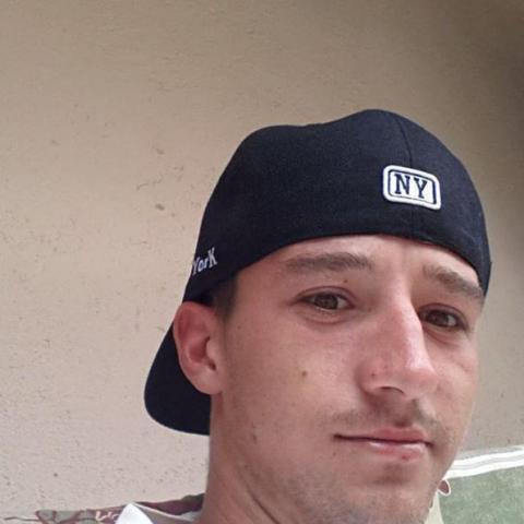 Zsolt, 28 éves társkereső férfi - Miskolc