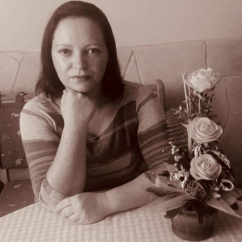 Betti, 37 éves társkereső nő - Görbeháza