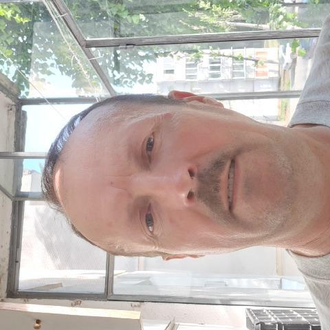 Tibor, 53 éves társkereső férfi -