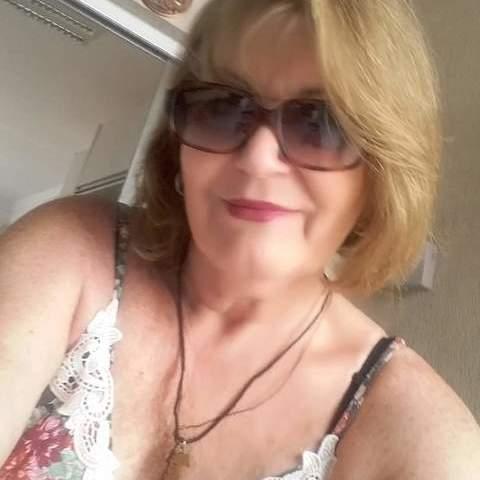 Éva, 58 éves társkereső nő - Tura