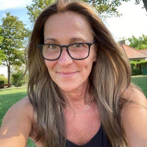 zsuzsa, 54 éves társkereső nő - Budapest