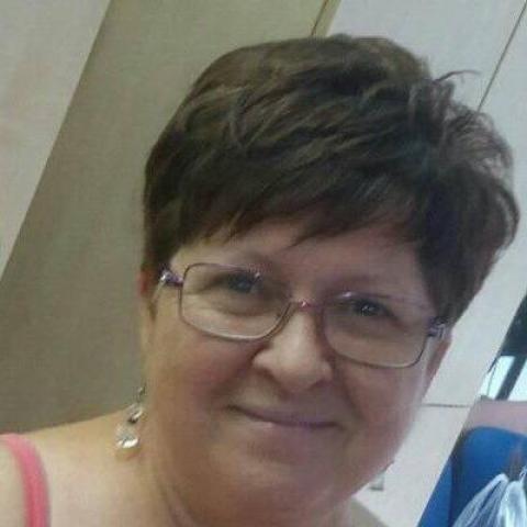 Éva, 59 éves társkereső nő - Debrecen