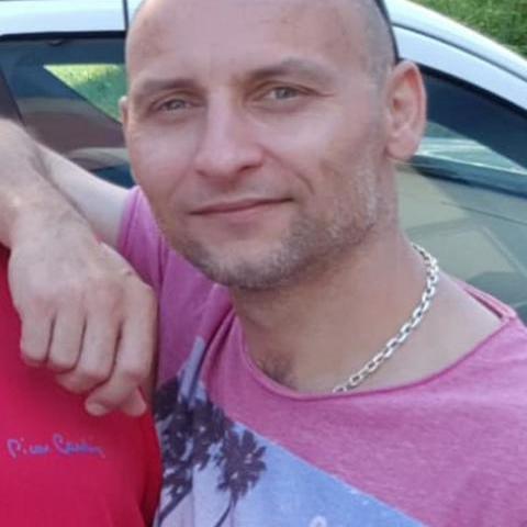 Gabriel, 46 éves társkereső férfi -