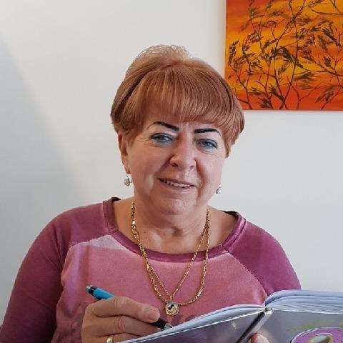Zsuzsanna, 67 éves társkereső nő - Győr