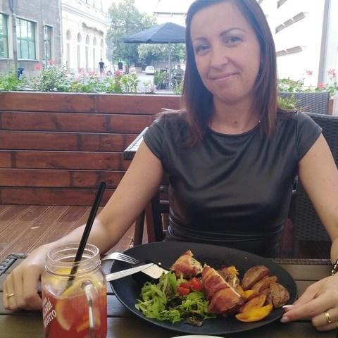 Henriett, 39 éves társkereső nő - Debrecen