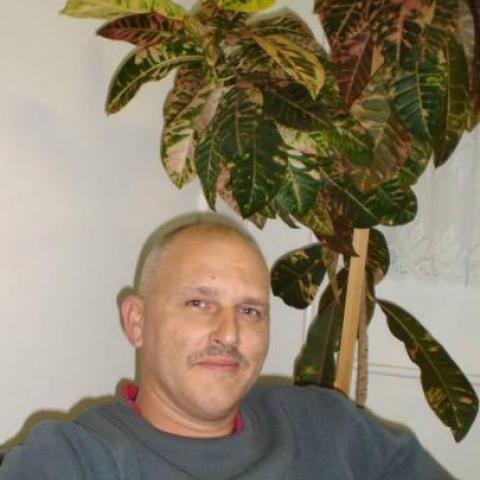 Pál, 53 éves társkereső férfi -