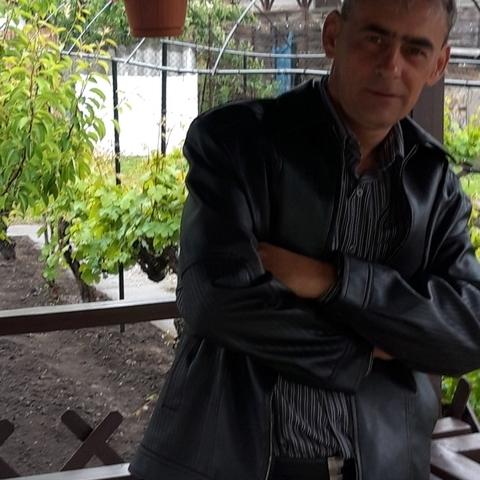 Attila Csaba, 45 éves társkereső férfi - Tárnok
