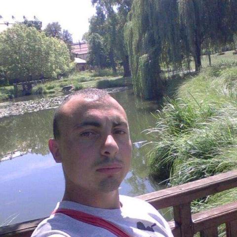 Zoltán, 28 éves társkereső férfi - Monok