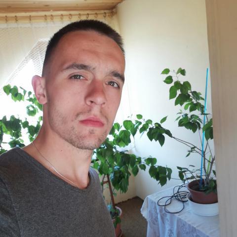 Erik, 27 éves társkereső férfi - Miskolc