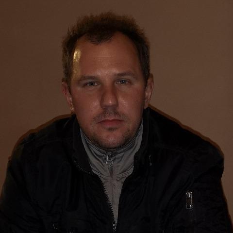 Péter, 32 éves társkereső férfi - Dejtár