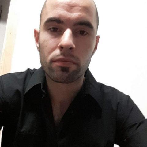 Zsolt, 25 éves társkereső férfi - Nagydorog