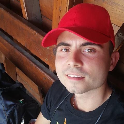 Bence, 21 éves társkereső férfi - Csökmő