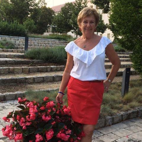 Marta, 70 éves társkereső nő - Dunakeszi