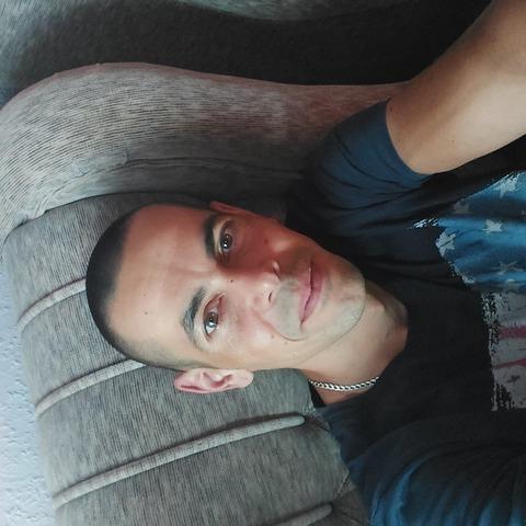 laszlo, 36 éves társkereső férfi - Nyíregyháza