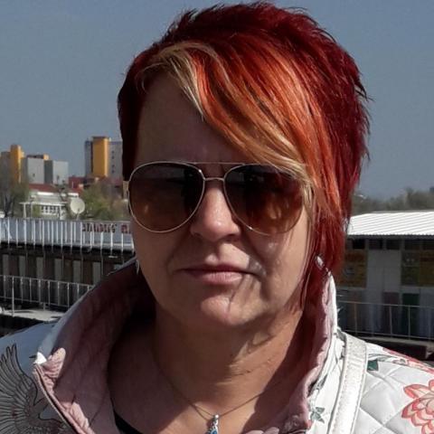 Erzsébet, 54 éves társkereső nő - Szeged