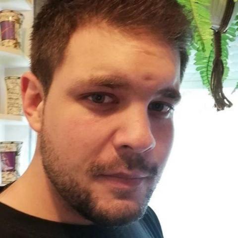 Ádám, 26 éves társkereső férfi - Salgótarján