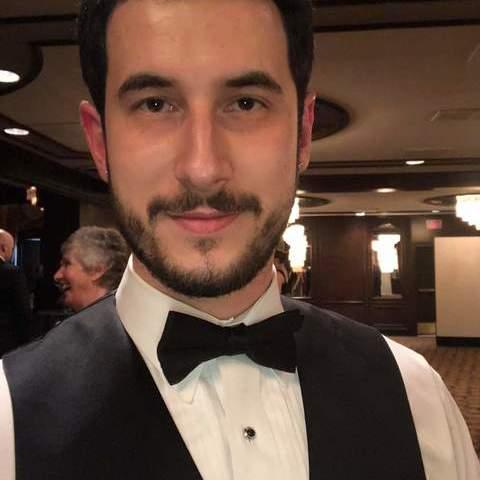 Mihály , 28 éves társkereső férfi -