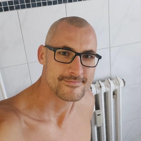 Dávid , 34 éves társkereső férfi - Kazincbarcika