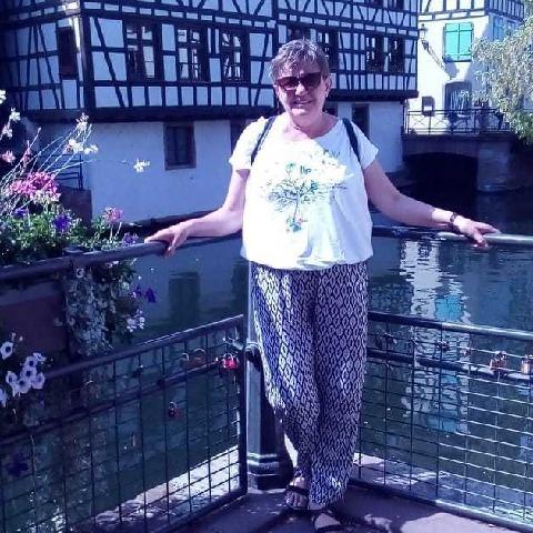 Kati, 64 éves társkereső nő - Debrecen