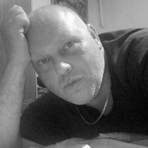 Róbert, 41 éves társkereső férfi - Pusztamérges