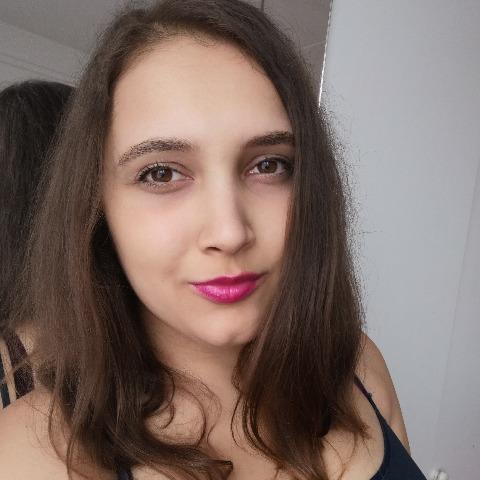 Renáta, 23 éves társkereső nő - Miskolc