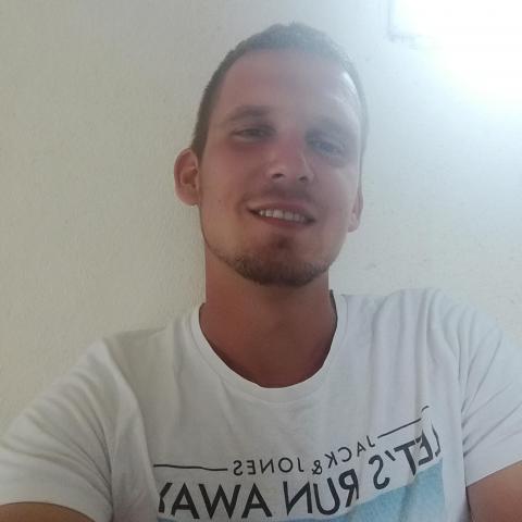 László , 23 éves társkereső férfi - Kisvárda