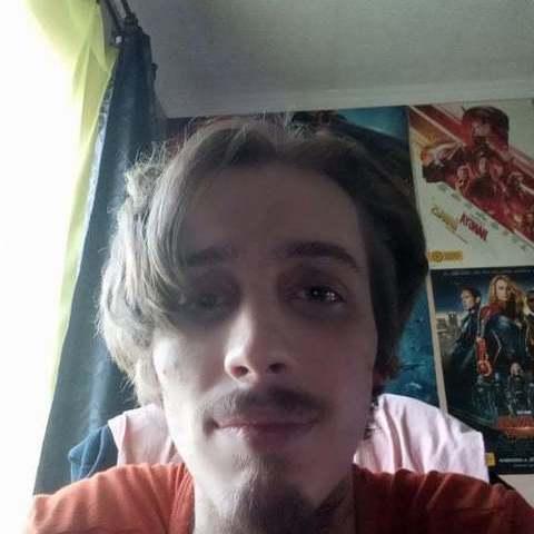 Tamás, 20 éves társkereső férfi - Miskolc