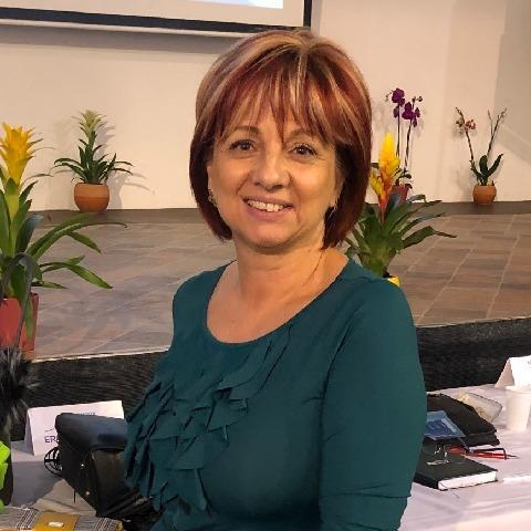 Ildi, 57 éves társkereső nő - Debrecen