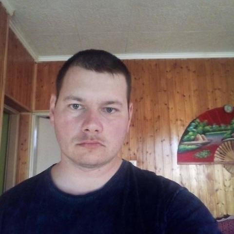 János, 31 éves társkereső férfi - Szegi