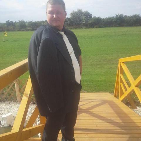 Attila, 31 éves társkereső férfi - Deszk
