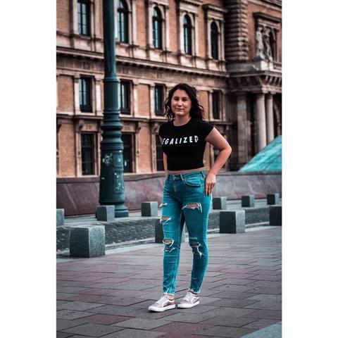 Vivien, 19 éves társkereső nő - Kács