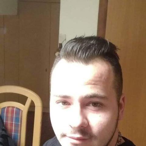 Dániel, 27 éves társkereső férfi - Zalaegerszeg
