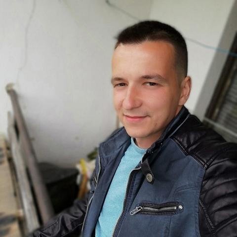 Balázs, 27 éves társkereső férfi - Balassagyarmat
