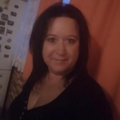 Szilvi, 45 éves társkereső nő - Szikszó