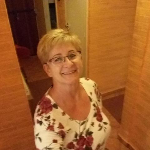 Tünde, 60 éves társkereső nő - Miskolc