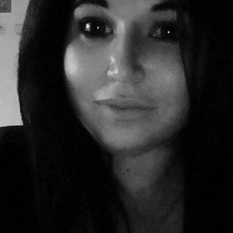 Vivien, 26 éves társkereső nő - Újfehértó