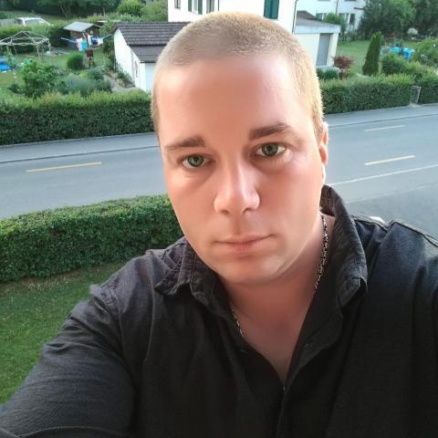 Karesz, 33 éves társkereső férfi - Györköny