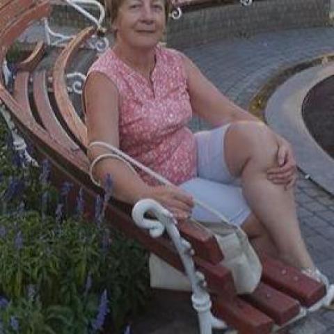 Magdolna, 55 éves társkereső nő - Sajószentpéter