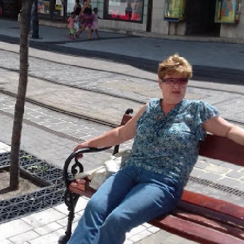 Ildi, 61 éves társkereső nő - Miskolc