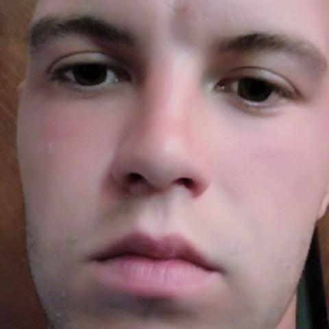 Balázs, 23 éves társkereső férfi - Fancsal