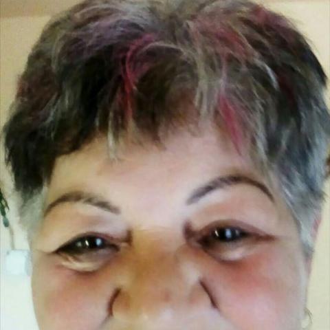 Erzsike, 71 éves társkereső nő - Komló