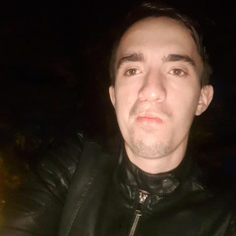 Ricsi, 21 éves társkereső férfi - salonta