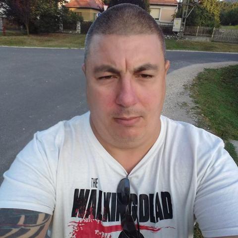 Róbert, 42 éves társkereső férfi - Miskolc