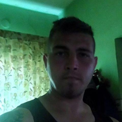 Csaba, 27 éves társkereső férfi - Tuzsér