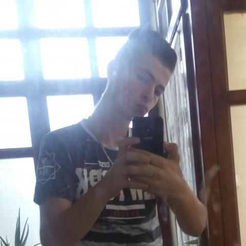Dávid, 22 éves társkereső férfi - Tolna