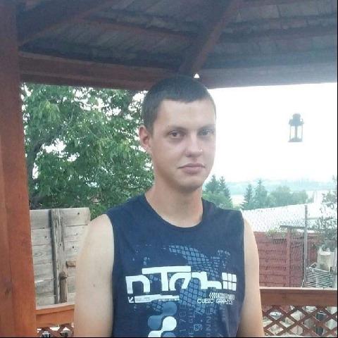 Laci, 26 éves társkereső férfi - Apc