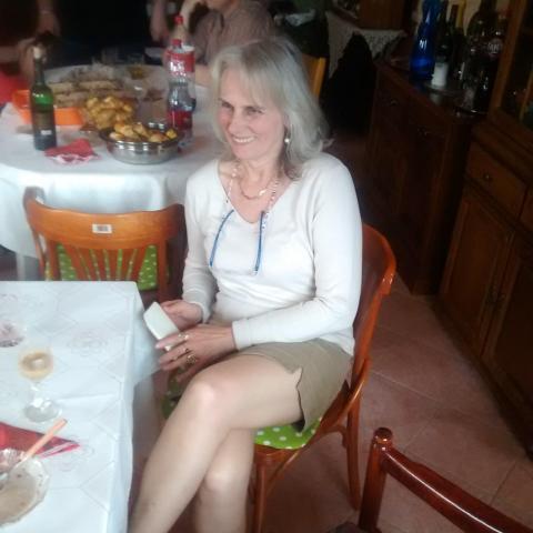 Ági, 58 éves társkereső nő - Miskolc