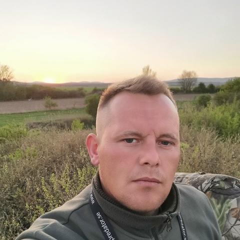 Csaba, 36 éves társkereső férfi - ősi