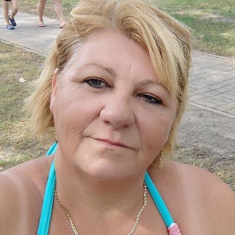 Erzsébet, 55 éves társkereső nő - Budapest